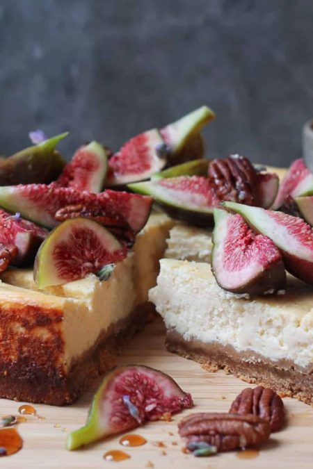 Ricotta cheesecake with figs and maple syrup