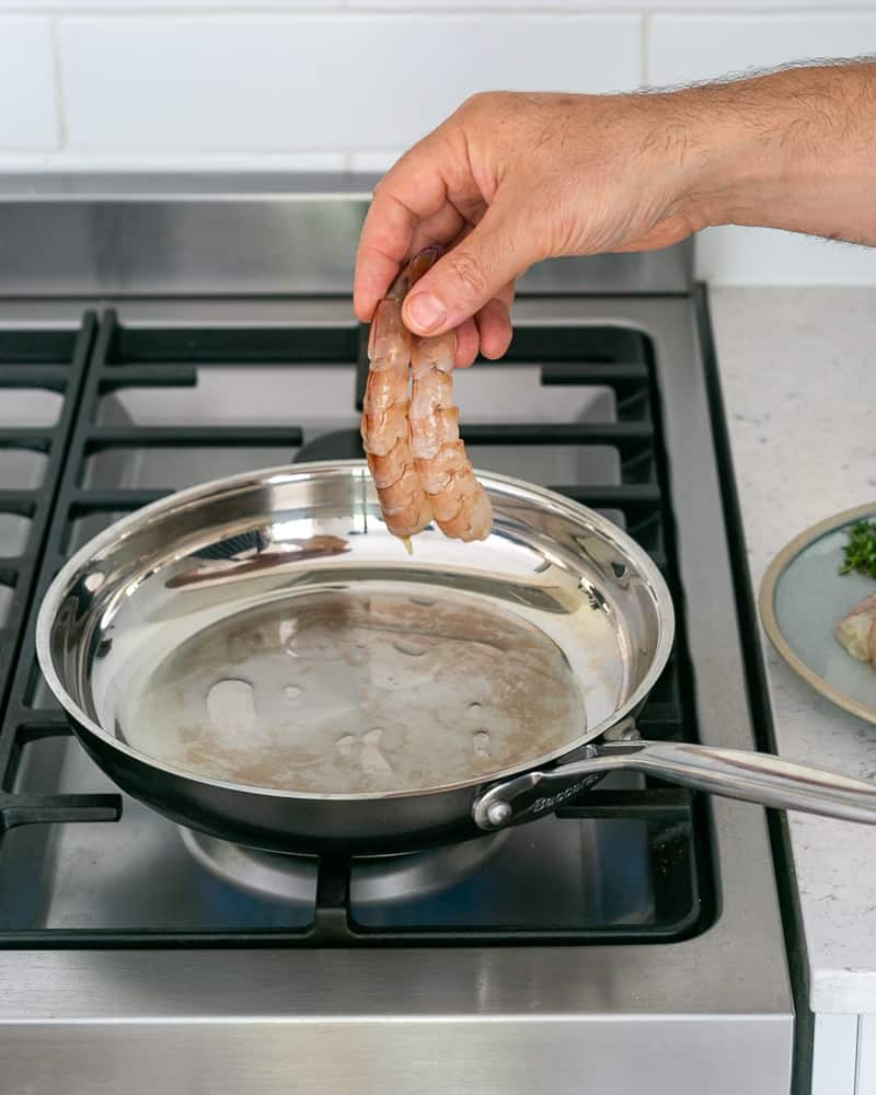 How to cook prawns in a pan