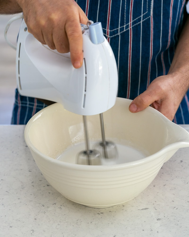 Whipping egg whites and sugar